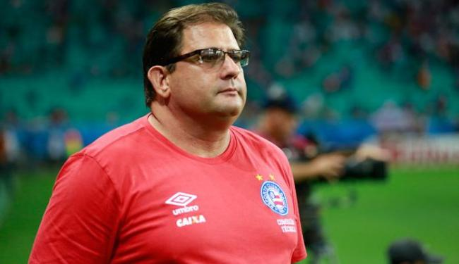 Guto Ferreira tem problemas para definir o substituto de Moisés na lateral esquerda - Foto: Felipe Oliveira | EC Bahia
