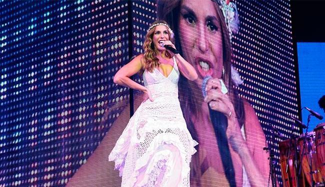 A cantora explicou que faz uso de soro fisiológico antes de entrar no palco - Foto: Reprodução | Facebook
