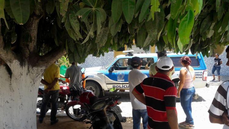 Falso médico foi preso no hospital municipal e chamou atenção da população - Foto: Metendobronca.com.br   Divulgação