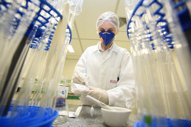 Laboratório público baiano vem produzindo testes para detectar várias doenças - Foto: Fotos Joá Souza l Ag. A TARDE