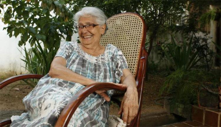 A educadora baiana Lydia Hortélio pesquisa cantigas e brincadeiras há mais de quatro décadas - Foto: Lúcio Távora | Ag. A TARDE