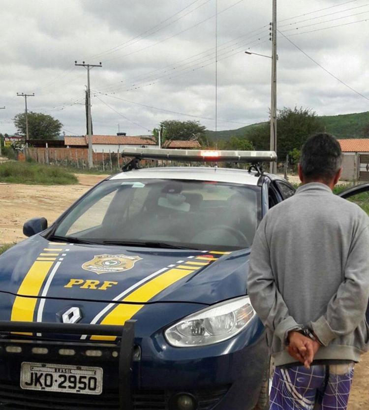 O homem foi detido em flagrante e encaminhado para a Delegacia judiciária local - Foto: PRF | Divulgação