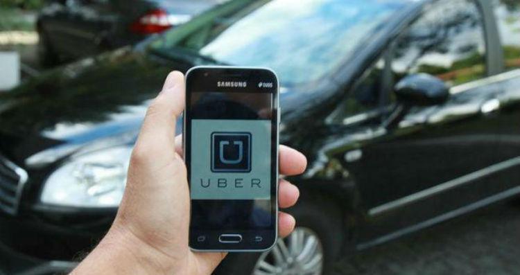 Semelhante ao Uber, a plataforma chega ao mercado baiano, no entanto, prometendo uma série de vantagens - Foto: Joá Souza / Ag. A TARDE