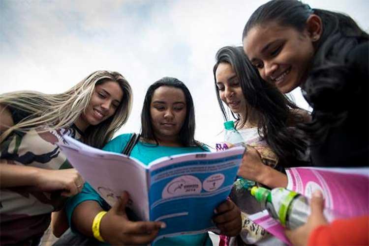 Nos dias 5 e 6 de novembro, 8,6 milhões de candidatos devem fazer as provas do Enem - Foto: Marcelo Camargo/Agência Brasil