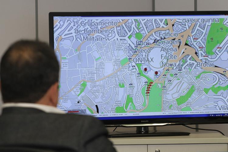 Programa que simula fatos em grandes eventos está instalado no Centro de Operações e Inteligência da SSP - Foto: Alberto Maraux l Ascom/SSP-BA