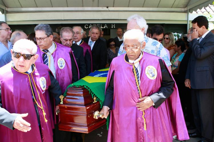 Claudelino Miranda foi sepultado no Cemitério Jardim da Saudade, em Brotas - Foto: Xando Pereira | Ag. A TARDE