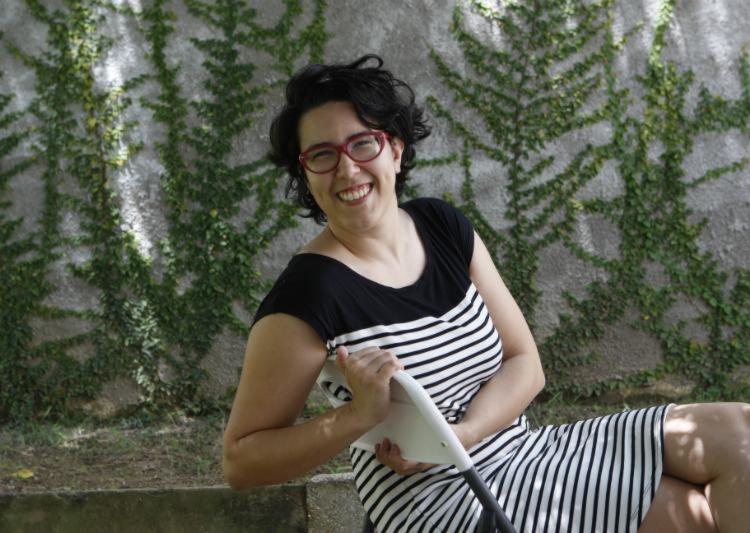 Fernanda Bezerra, da Maré Produções Culturais, reclama das