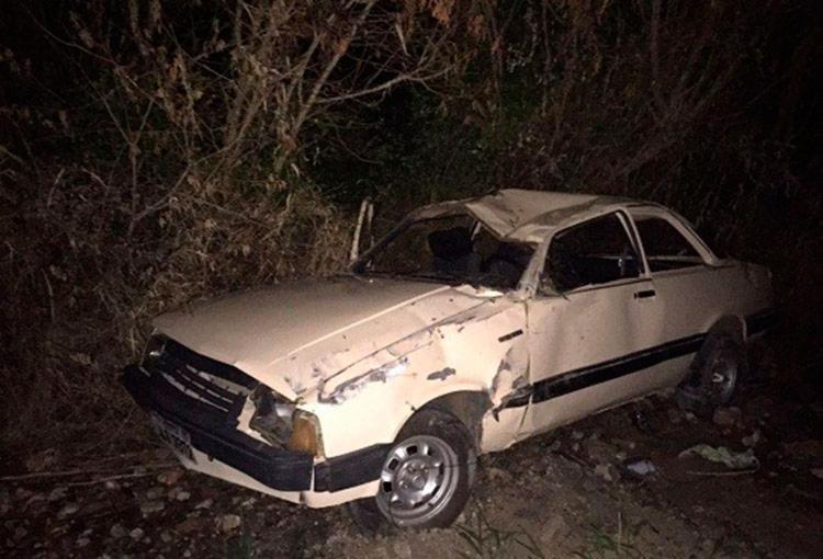 A PRF suspeita que a causa do capotamento seria embriaguem do condutor do carro - Foto: Reprodução | Blog Marcos Frahm