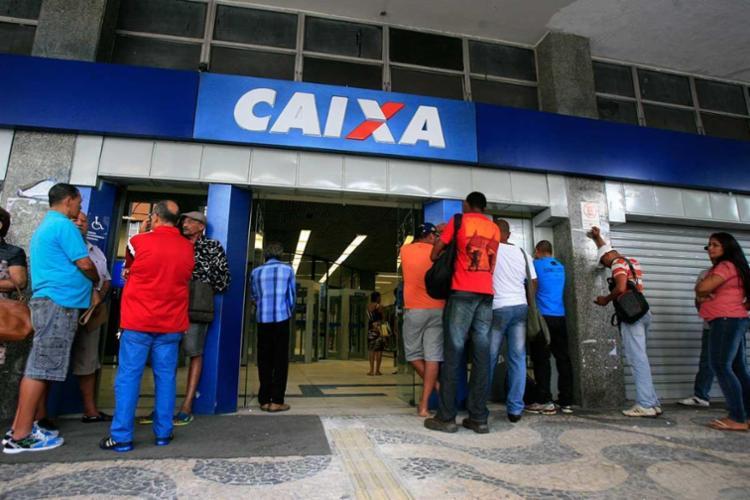 A Caixa Econômica vai abrir aos sábado, a partir do dia 18 deste mês - Foto: Edilson Lima | Ag. A TARDE