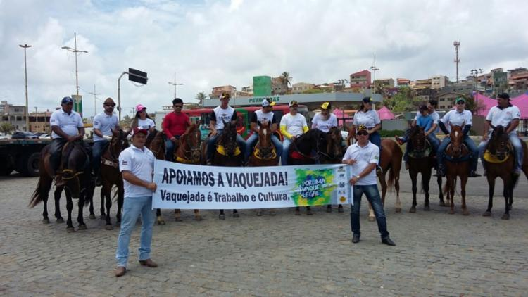 Grupo saiu da orla de Salvador em direção ao Parque de Exposições - Foto: Siqueira Costa Junior | Cidadão Repórter | Via Whatsapp