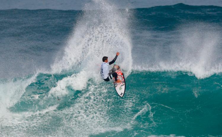 Pupo foi eliminado nas quartas de final - Foto: Reprodução | Twitter | World Surf League