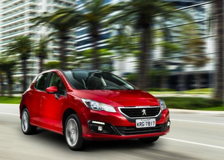 Peugeot adota motor 1.6 THP de até 173cv em todas as versões dos modelos 308 e 408 na linha 2017 - Foto: Divulgação