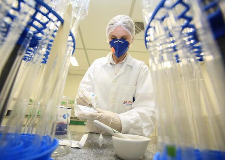 Ministério vai comprar kits para diagnosticar zika de laboratório baiano - Foto: Joá Souza l Ag. A TARDE