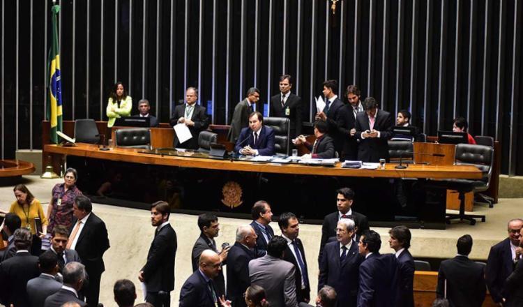 Novos requerimentos da oposição tentam adiar a votação - Foto: Zeca Ribeiro | Câmara dos Deputados