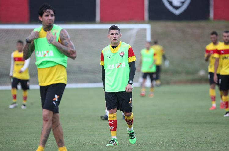 Victor Ramos (E) e Diego Renan terão a função de liderar o time - Foto: Adilton Venegeroles l Ag. A TARDE