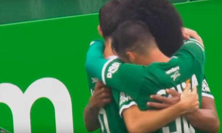 Jogadores da Chapecoense comemoram o terceiro gol do time - Foto: Reprodução | Youtube