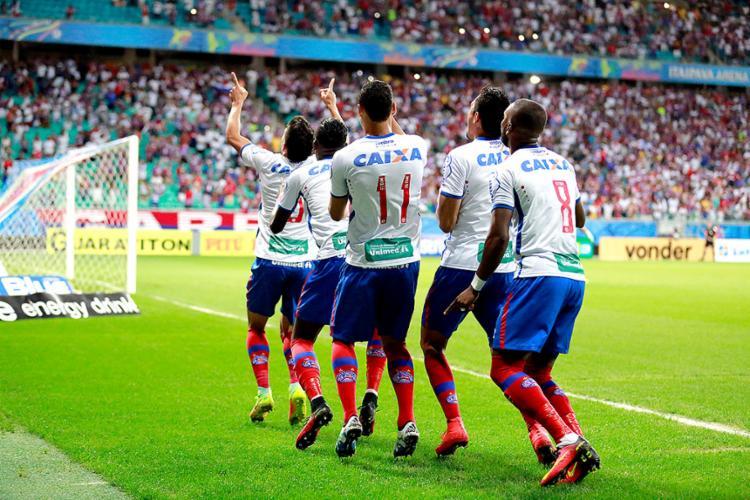 Tricolores comemoram gol em triunfo na Fonte Nova - Foto: Felipe Oliveira l EC Bahia