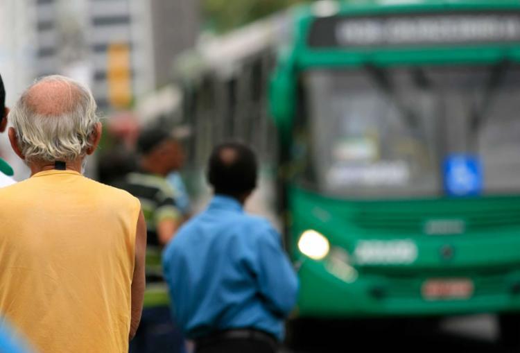 Ônibus devem voltar a circular a partir das 8h - Foto: Joá Souza | Ag. A TARDE | 22.09.2016