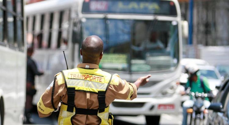 A Transalvador vai monitorar o trânsito para evitar interferências negativas no tráfego - Foto: Joá Souza | Ag. A TARDE
