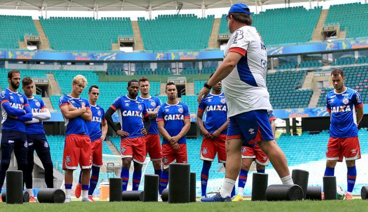 Guto Ferreira comandou uma atividade com o time titular na Arena Fonte Nova, palco do jogo deste sábado, 29 - Foto: Felipe Oliveira l EC Bahia l Divulgação