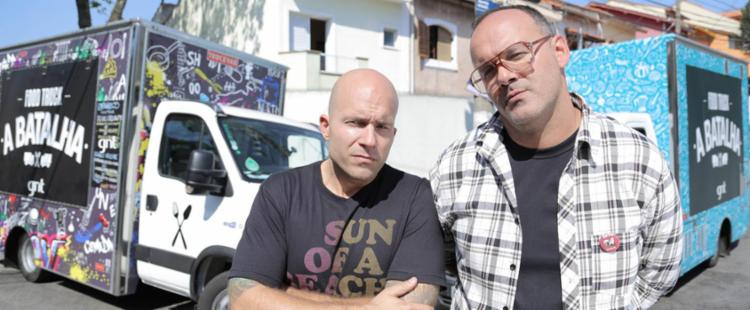 Adolpho Schaefer e Márcio Silva são apresentadores do 'Food Truck - A Batalha' - Foto: Divulgação