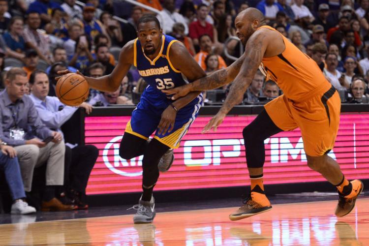 Durant comandou a vitória dos Warriors com 37 pontos - Foto: Joe Camporeale | Reuters