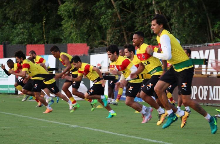 Treino físico marcou início dos trabalhos visando o duelo com o Atlético-PR - Foto: Francisco Galvão l EC Vitória