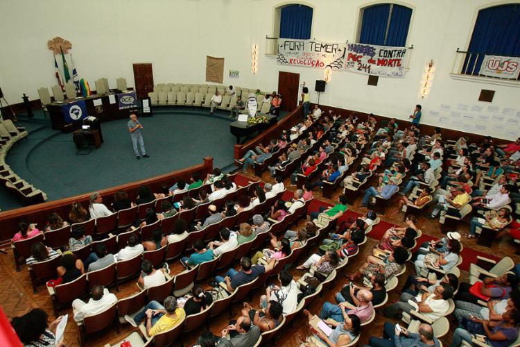 O tom foi de crítica à PEC que tramita no Congresso - Foto: Joá Souza l Ag. A TARDE