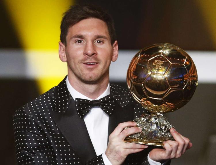 O recordista em número de vitórias é Lionel Messi, com cinco troféus - Foto: Agência Reuters