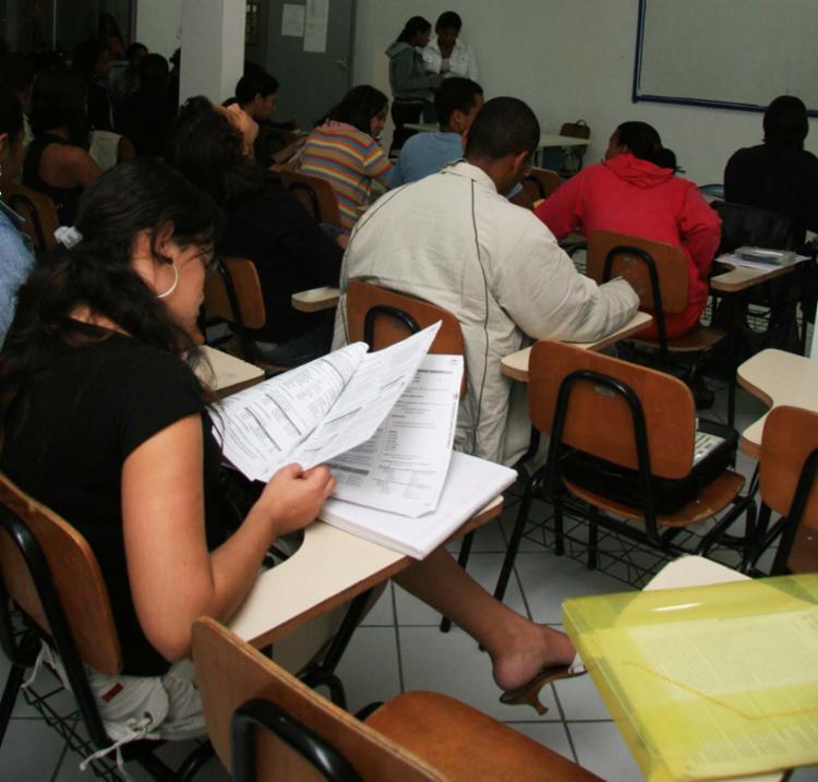 Desde 2009, os temas apresentados para a redação vieram de notícias atuais - Foto: Joá Souza   Ag. A TARDE   17.07.2008