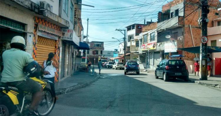Rodoviários recolheram ônibus na Santa Cruz após morte no bairro - Foto: Edilson Lima | Ag. A TARDE
