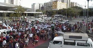 Manifestantes caminham sentido Av. Sete de Setembro - Foto: Divulgação | Transalvador