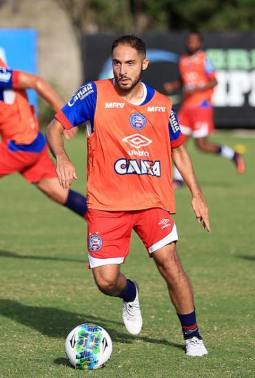 Meia Régis retorna da suspensão cumprida contra Sampaio e deve ser titular contra Luverdense - Foto: Felipe Oliveira l EC Bahia