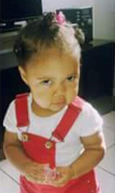 Beatriz, de 1 ano e 3 meses, foi atingida na cabeça - Foto: Reprodução | Arquivo pessoal