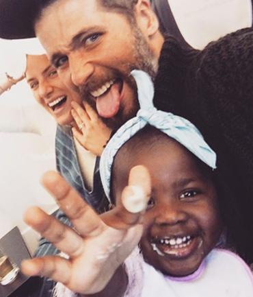 Giovanna Ewbank e Bruno Gagliasso adotaram Titi este ano - Foto: Reprodução | Instagram