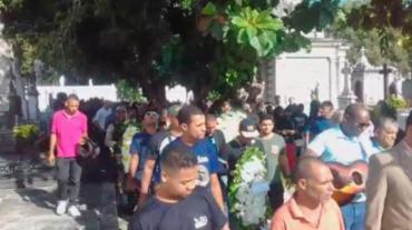 O enterro do PM aconteceu nesta manhã - Foto: Joá Souza | Ag. A TARDE