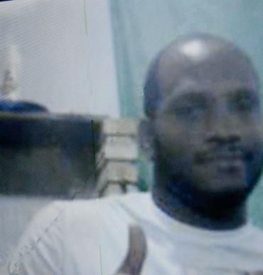 Familiares da vítima apontam um homem de prenome Hebert, o Shaquila, como o autor dos tiros - Foto: Joá Souza l Ag. A TARDE