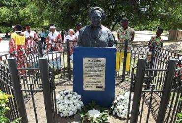 Reinauguração de busto de mãe Gilda fortalece luta contra racismo