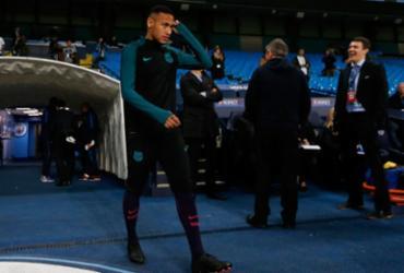 Suspenso de jogos, Neymar desfalca treino por 'sobrecarga' muscular
