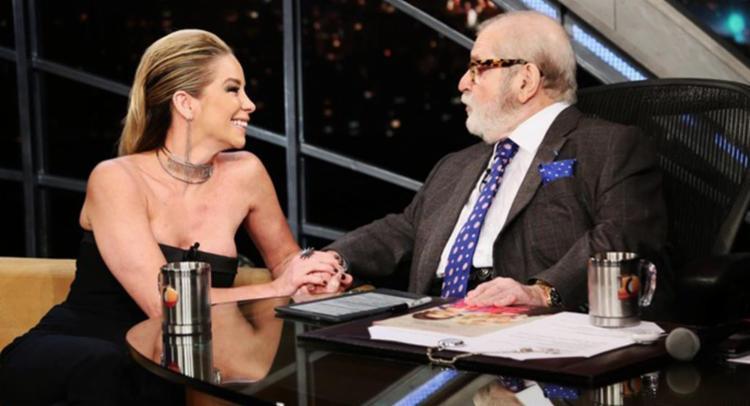 Jô entrevistava a atriz Danielle Winits quando acabou contando o segredo - Foto: Reprodução | TV Globo