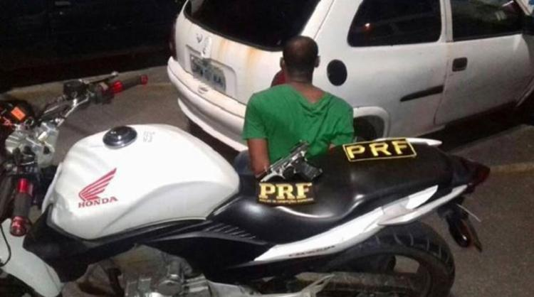 Após perseguição, o homem foi alcançado pela polícia - Foto: Divulgação l PRF