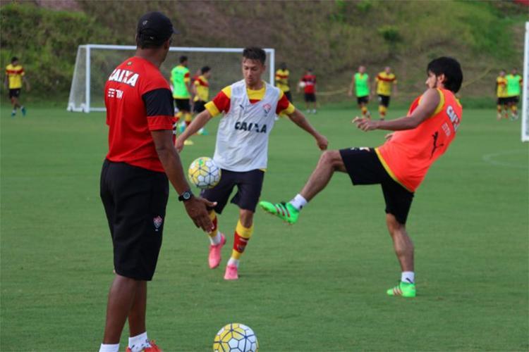 Jogadores treinaram forte nesta sexta-feira - Foto: Francisco Galvão l EC Vitória