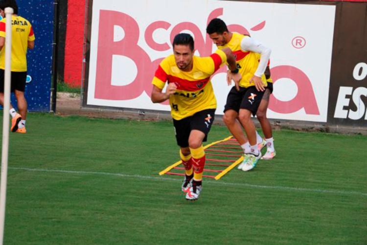 O jogador se apresenta no dia 3, em La Paz - Foto: Francisco Galvão   EC Vitória
