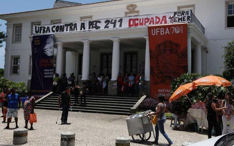 Ufba tem dois pavilhões ocupados - Foto: Luciano da Matta | Ag. A TARDE