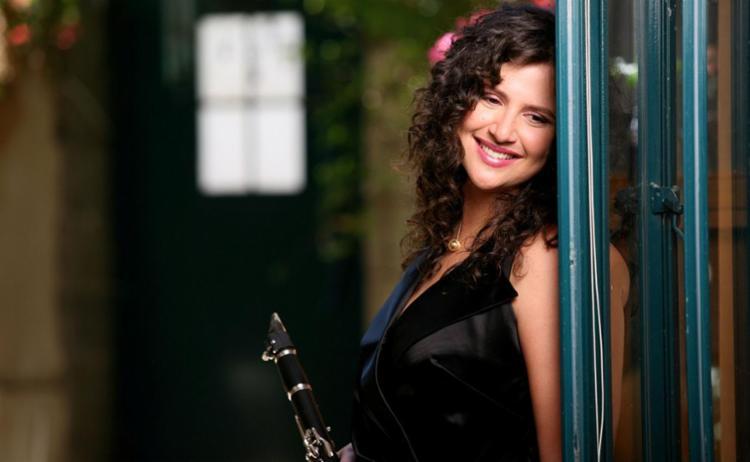 Anat Cohen foi eleita a melhor clarinetista nos EUA - Foto: Divulgação