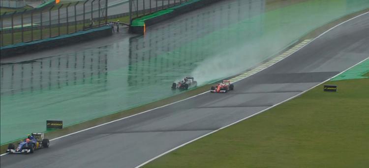 Vettel durante a corrida de domingo, 13 - Foto: Reprodução   Twitter   Formula 1