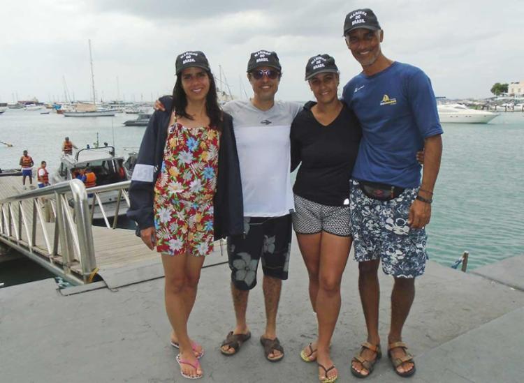 Tripulantes foram avaliados por uma equipe médica do Hospital Naval de Salvador - Foto: Divulgação   Marinha do Brasil