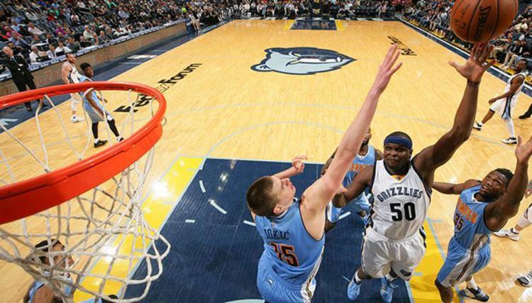 O ala-pivô Zach Randolph contribuiu vindo do banco com 18 pontos e sete rebotes - Foto: Reprodução | Facebook | Memphis Grizzlies