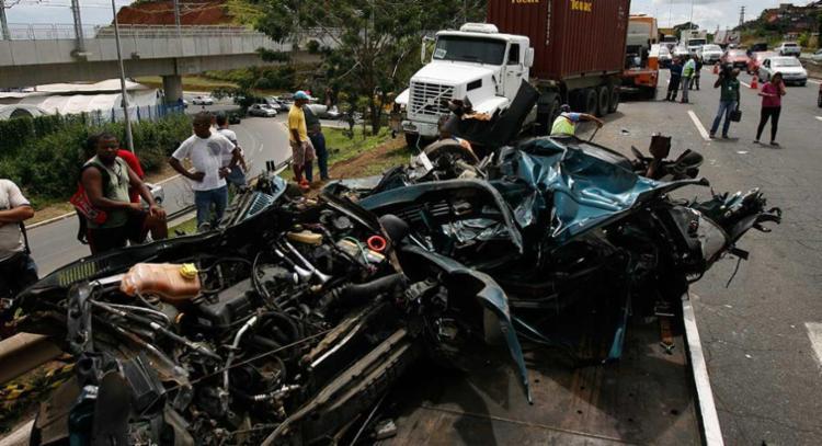Das 43.780 mortes registradas no trânsito brasileiro em 2014, 7.032 ocorreram em São Paulo - Foto: Xando Pereira | Ag A TARDE