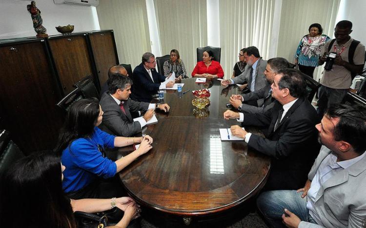 A presidente do TJ-BA reuniu-se com a comissão - Foto: Nei Pinto Ferreira l Divulgação
